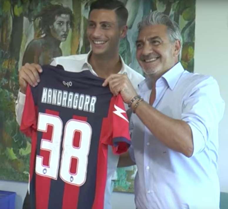 El centrocampista inicia una nueva etapa en el Crotone. Crotone