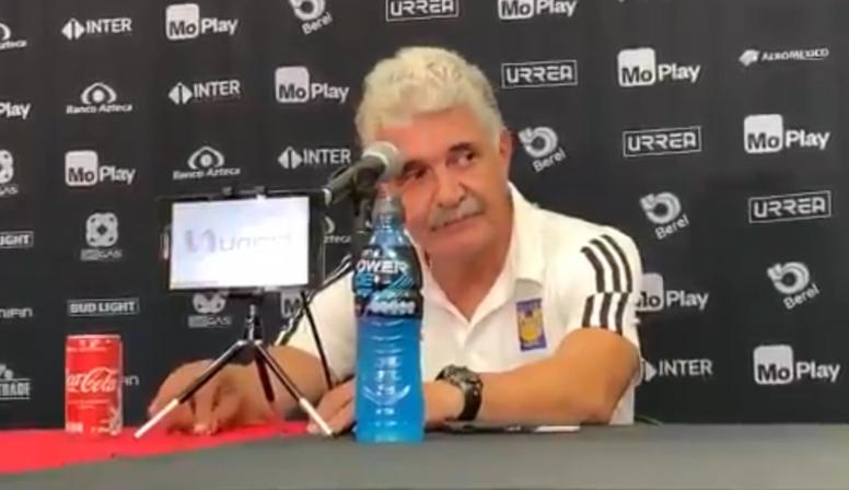 El 'Tuca' Ferretti plantó a la prensa por una transmisión en