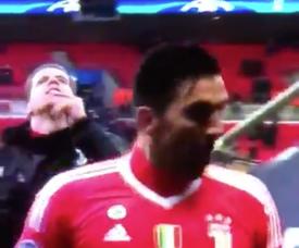 Szczesny was caught on camera mocking Spurs following Juve's win. Twitter