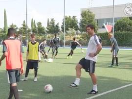 Xabi Alonso debutó como nuevo entrenador del Infantil A del Real Madrid. CanteraRealMadrid