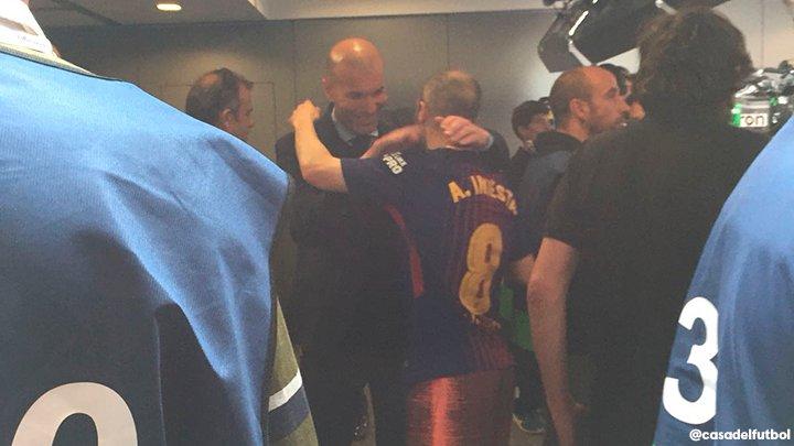 Barça - Mercato : Communiqué du Chongqing Lifan pour Iniesta