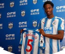 Kongolo se ha sumado a las filas del Huddersfield. Captura/Huddersfield