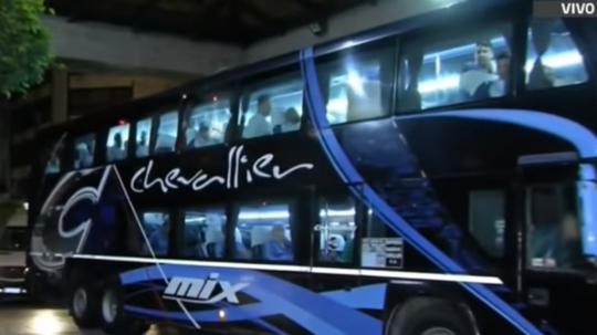 El autobús de Palmeiras sufrió un altercado a su llegada al Nuevo Gasómetro. Captura/ESPN