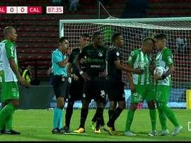 La Dimayor ha sancionado con tres partidos y una multa a cada jugador. Captura/RCN