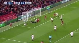 Momento do empate na partida, ou seja, do gol do brasileiro Firmino. Twitter