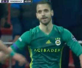 Soldado le dio la victoria al Fenerbahçe. Captura/beINSports
