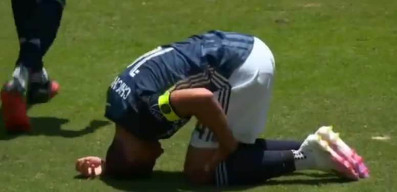 Chicharito se lesionó en un amistoso de Los Angeles Galaxy. Captura