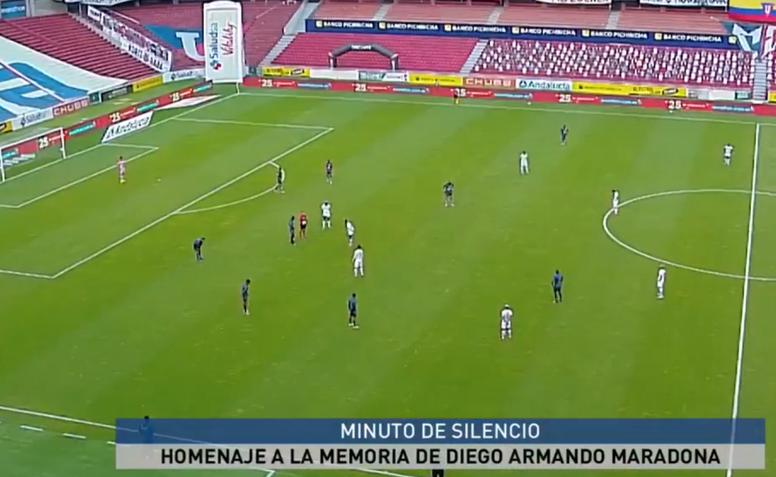 El Liga-Olmedo se paró en el 10'... ¡por Maradona! Captura/GOLTV