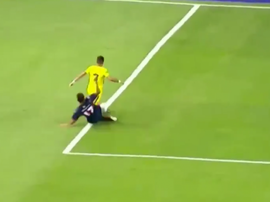 El árbitro decretó la pena máxima favorable a Boca. Captura/TNTSports