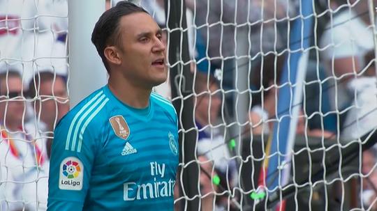 Navas got a warm reception on his Bernabéu farewell. EFE