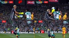 ¿Penalti o simulación? La acción de Nahuel que no tiene explicación. Captura/FOXSports