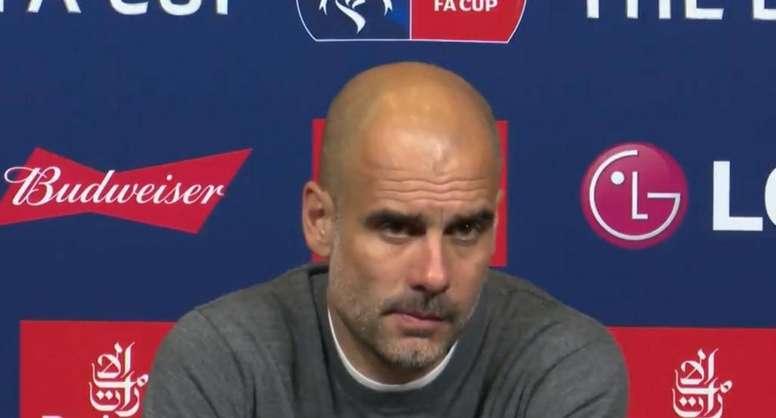 Guardiola ficou incomodado com uma pergunta sobre possíveis bónus. Captura/LocoxelfutbolGT