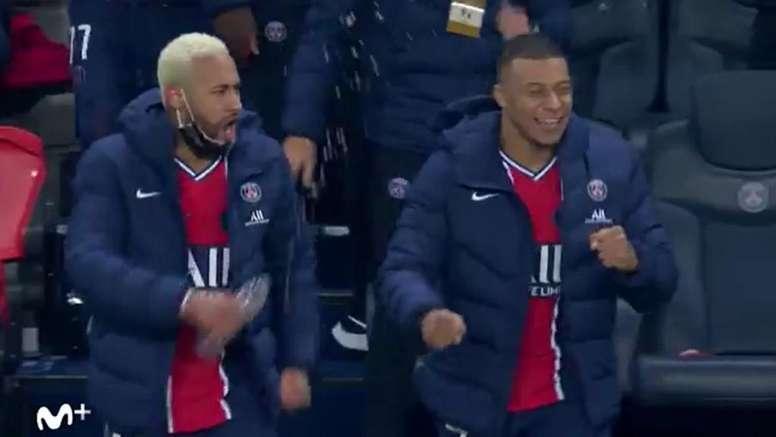 A curiosa comemoração de Neymar. Captura/Movistar+