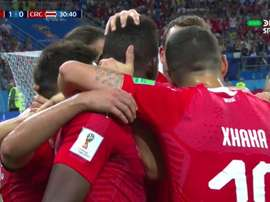 Switzerland celebrating Dzemaili goal against Costa Rica. Captura