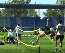 Marcelo, Militao et Ramos se lancent dans un concours. Captura/Dugout