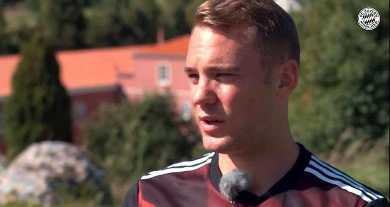 Neuer was happy with Bayern's win. Youtube/BayernMünchen