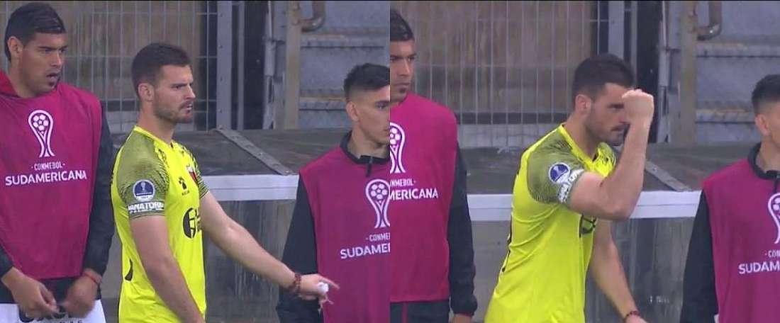 Reserva do Colón ajudou goleiro nos pênaltis contra o Atlético-MG. Captura/DAZN
