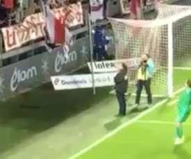 Los ultras del Stade Brestois fueron a por el portero del Nancy. Twitter