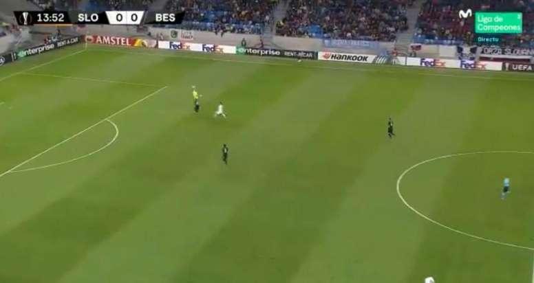 Karius made a terrible blunder against Slovan Bratislava. Captura/Movistar