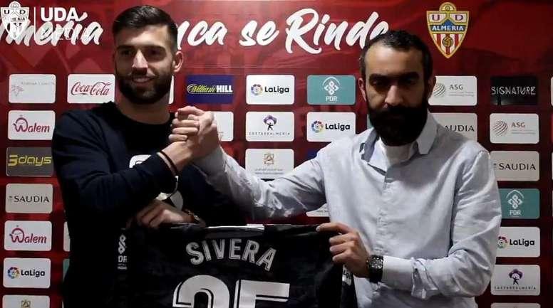 Sivera, presentado con el Almería. UDAlmería
