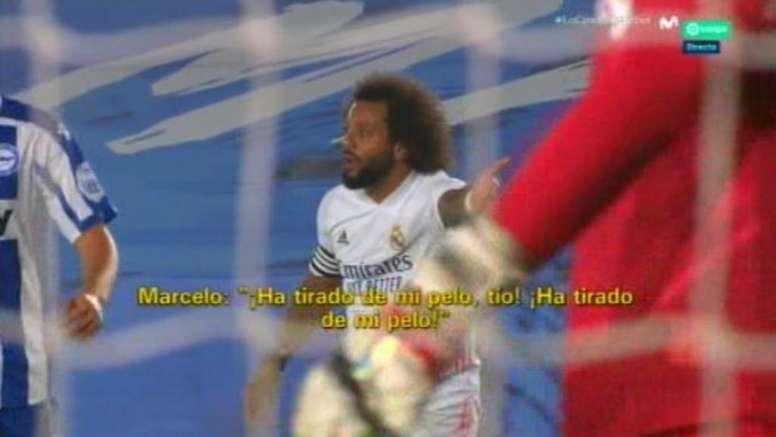 La queja de Marcelo y la explicación del árbitro. Captura/Movistar+
