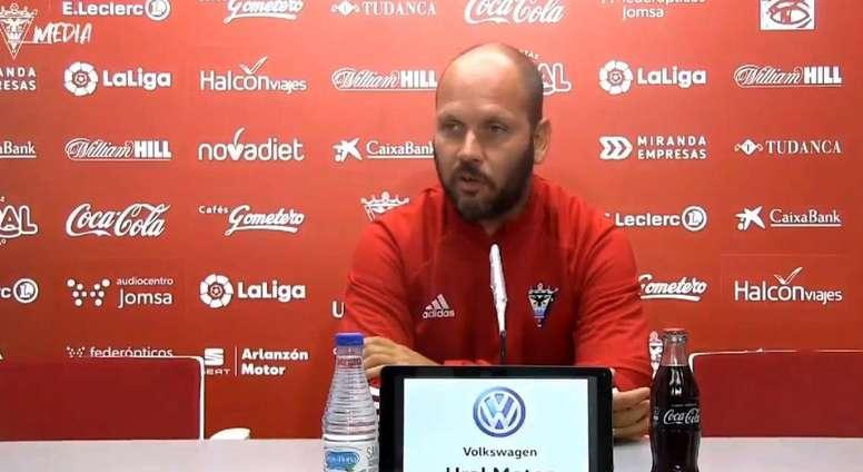 José Alberto se queda con que el equipo supo sufrir. Captura/CDMirandés