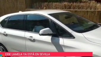 Lamela, chased in Sevilla to close his signing. Twitter/eldesmarque