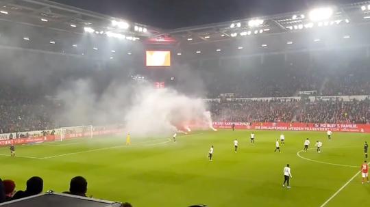 Les fumigènes légaux pour la première fois en Allemagne. Twitter/CMoffiziell