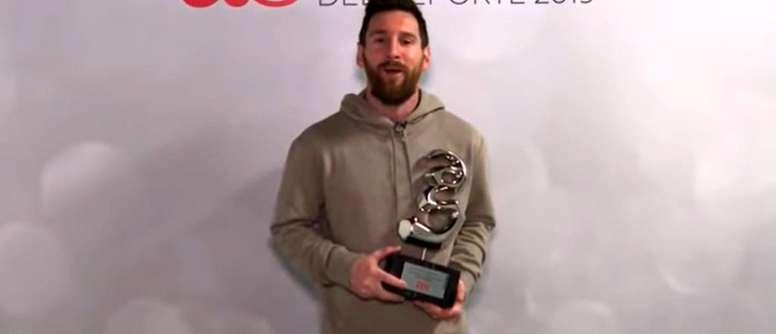 Messi no se cansa de recibir premios. Captura/ASTV