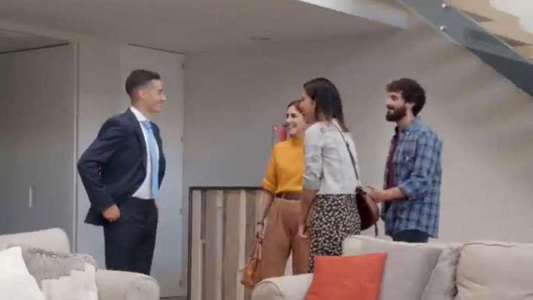 Lucas Vázquez, asesor inmobiliario por un día. Captura/Mahou
