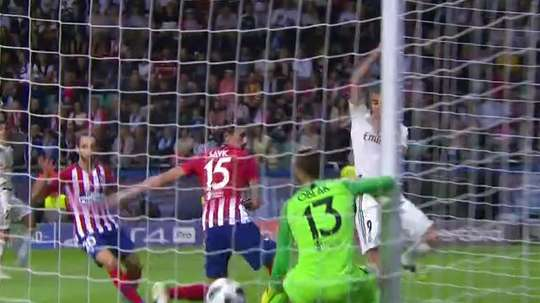 Benzema levels the scores with a well-timed header. Captura/FOXSports
