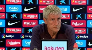 Setien parla in conferenza. BarçaTV