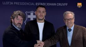 OFICIAL: el Barça ficha a Rei Manaj para el filial. Twitter/FCBarcelonaB