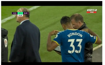 Rondón hizo su debut con el Everton