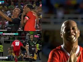 Em um novo amistoso na Colômbia, Ronaldinho voltou a ser o protagonista. Captura/WinSports