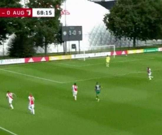 El Ajax le ganó al Augsburgo. Captura/AFCAjax