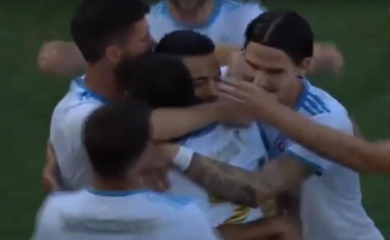 El Slovan deja con vida al Feronikeli. Captura/Youtube