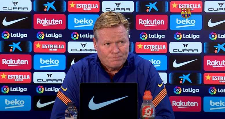 Ronald Koeman was not happy on Messi being asked about Griezmann. Screenshot/BarcaTV