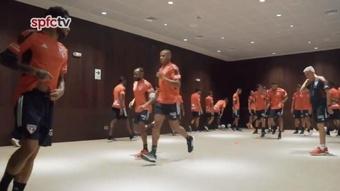 Crespo tuvo que improvisar un entrenamiento ¡en el propio hotel! Twitter/SaoPauloFC