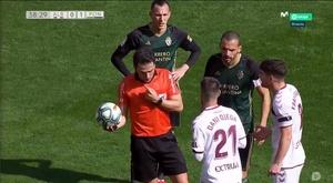 Quand un arbitre signale un hors-jeu... sur une touche. Capture/MovistarLaLiga
