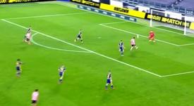 Morata se quedó con la miel en los labios: el VAR arruinó su golazo. Captura/beINSports