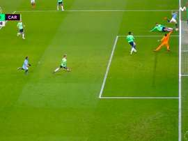 De Bruyne's impossible goal. Screenshot/Movistar+