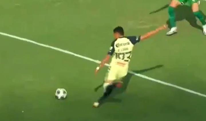 El américa venció 2-0 ante Chivas en un partido de preparación. Captura/TUDN
