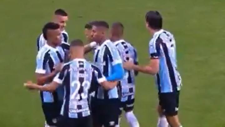 Gremio venció a Vitória y pasó a cuartos. Captura/SportTV