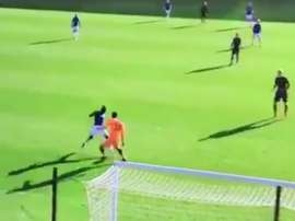 Niasse steals the ball from Cech to easily slot home. Twitter