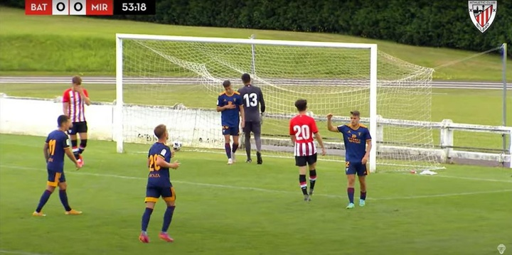 Sergio Carreira remató a placer para firmar el gol del partido. Captura/YouTube/AthleticClub