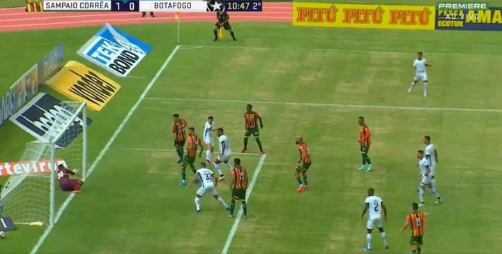 Botafogo anotó un gol que no subió al marcador. Captura/Premiere