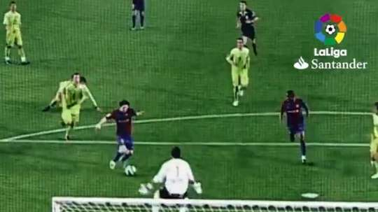 The first great Messi goal was scored exactly 13 years ago. Captura/LaLiga