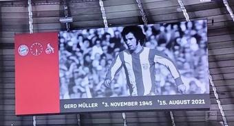 El Bayern despidió al 'Torpedo' Müller con honores. Captura/beINSports