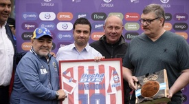 Cara y cruz para Maradona: homenaje y nueva derrota. ClubAtléticoUnión